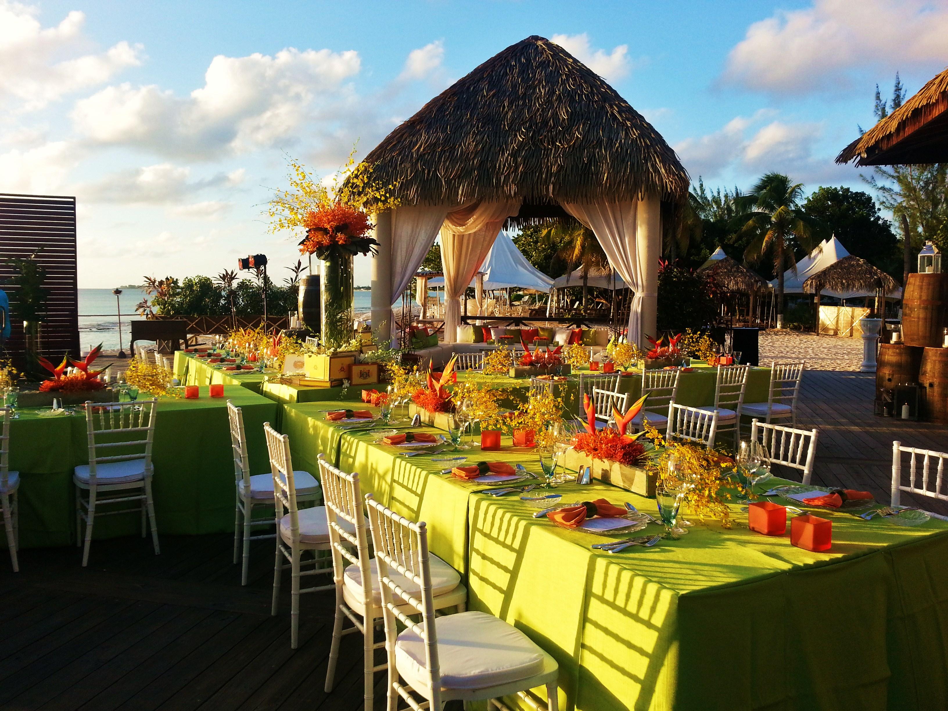 Tiki Beach, Grand Cayman