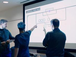 Latihan Situasi Set-Piece untuk Pembelajaraan Pemain