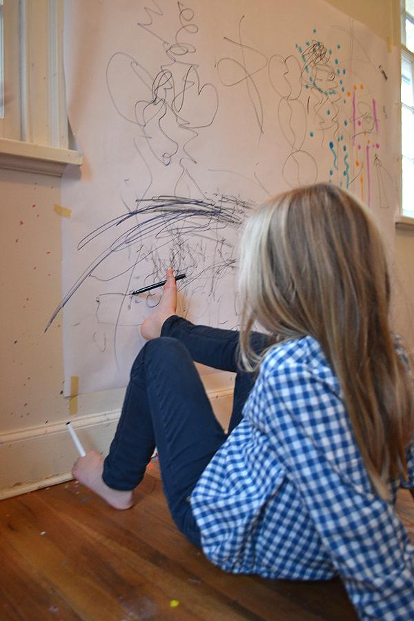 desenhando com os pés