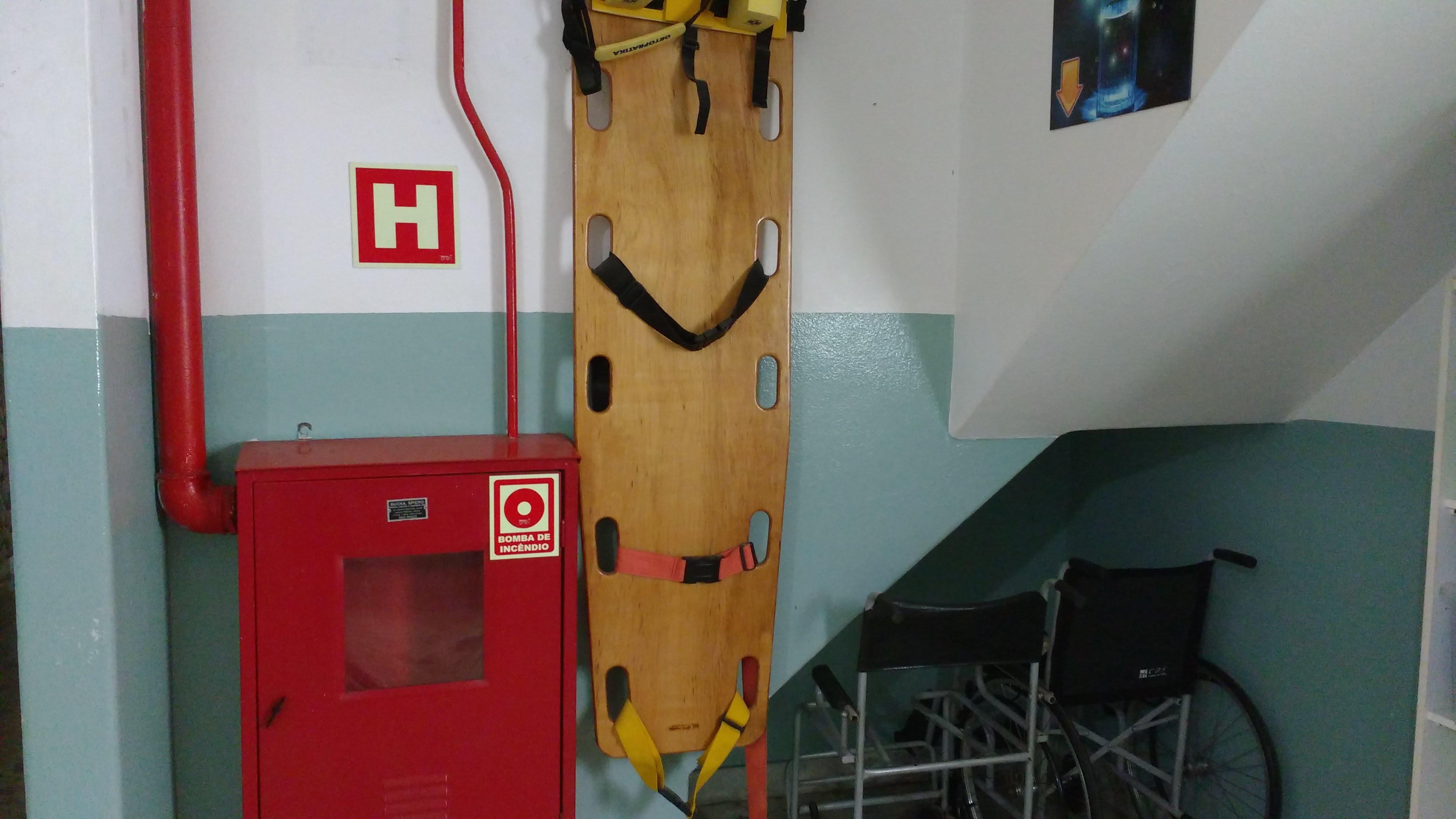 itens de segurança e emergencia