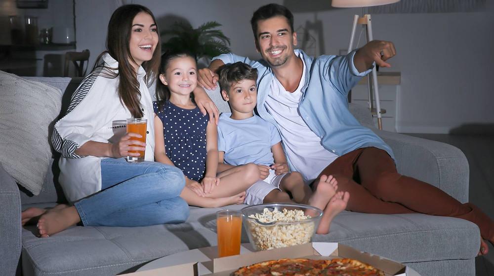 cinema em casa em família