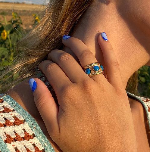 Bleu 3 stones ring