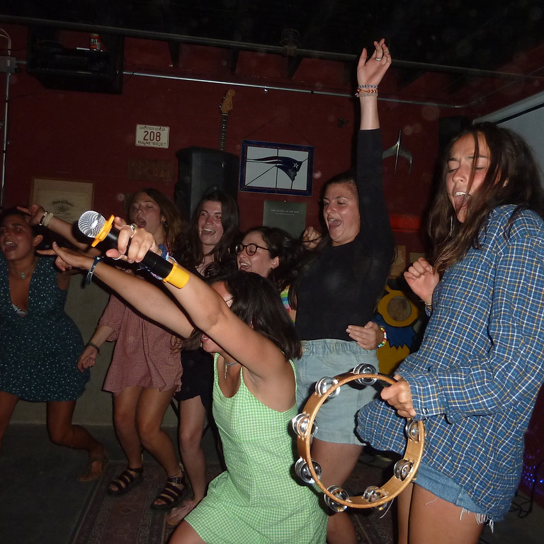 Karaoke Dance Party at Threshers Brewing Co.