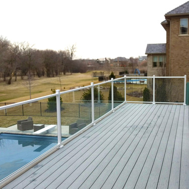 deck contractor qualifications