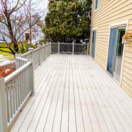 deck contractor cost
