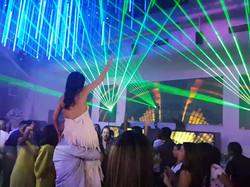 לייזרים ברחבת ריקודים