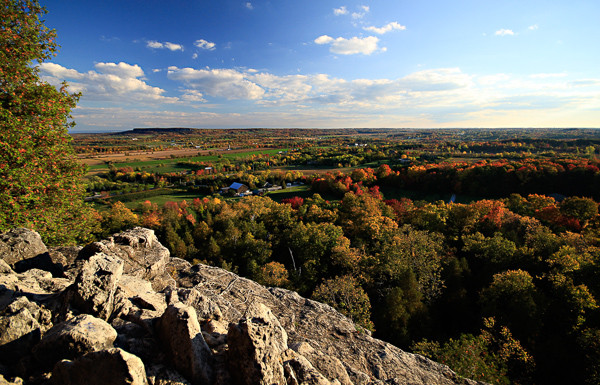 Rattlesnake Point - Climbing Lessons - On The Rocks Climbing Guides - Ontario
