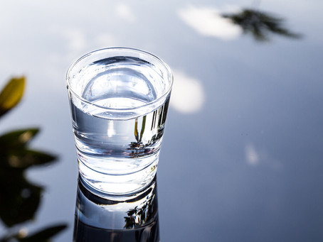 Find Out If You Should or Shouldn't Drink Water And Why: A blog which places focus on the benefits o
