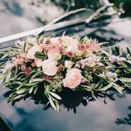 Hochzeitsblumen Auto