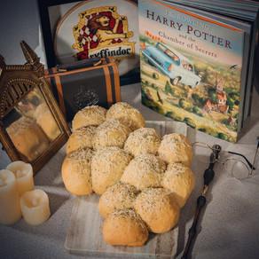 Lightning Bolt Cheesy Pull-Apart Bread Recipe | My Harry Potter Kitchen II (Recipe #9)