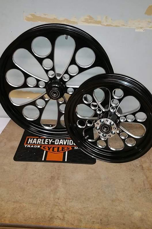 Kool Kat contrast wheel set