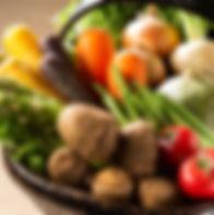 旬の野菜を取り入れたサラダは絶品です