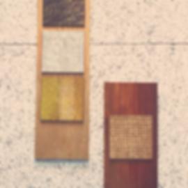 壁掛けの木製パネル