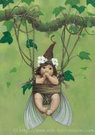 Lou, le bébé fée dans sa nacelle © Erlé Ferronnière
