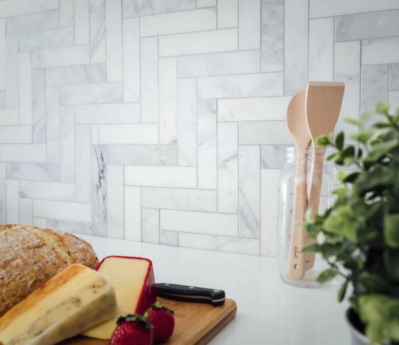 Kitchen tile backsplash, step ladder tile pattern.