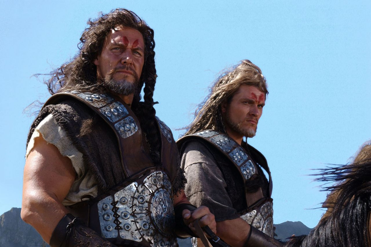 Ralf Moeller and Goetz Otto as the Twin Kings
