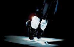 michael-jackson-dancing-leather-shoes-1