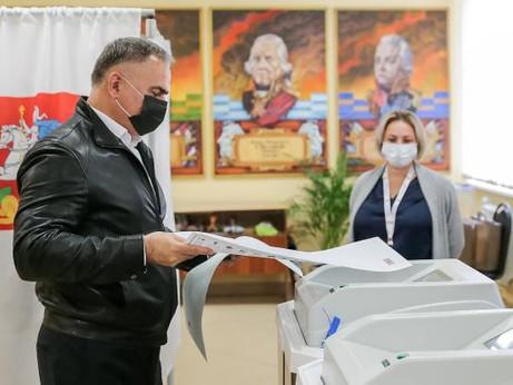 Глава Солнечногорска Виктор Родионов проголосовал на выборах