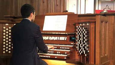 Church organist performs in chapel in Sanford, Florida
