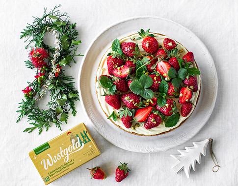 8 minute strawberry cheesecake