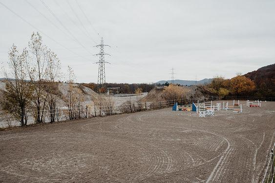 Pensionsstall-Eiken-Fricktal-Reitplatz-R