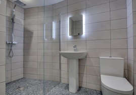 Sea Legs shower room.jpg
