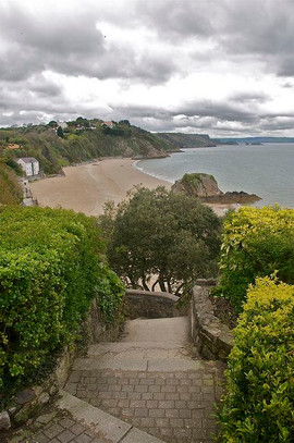 Steps down to North Beach