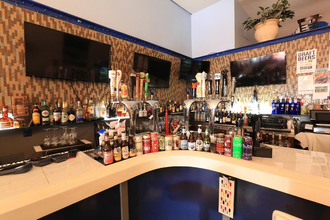 Great Deals for Top Shelf Happy Hour at Papaspiros Restaurant from 4:30pm to 6:00pm!