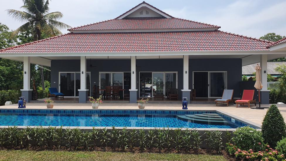 Pool and Veranda.jpg