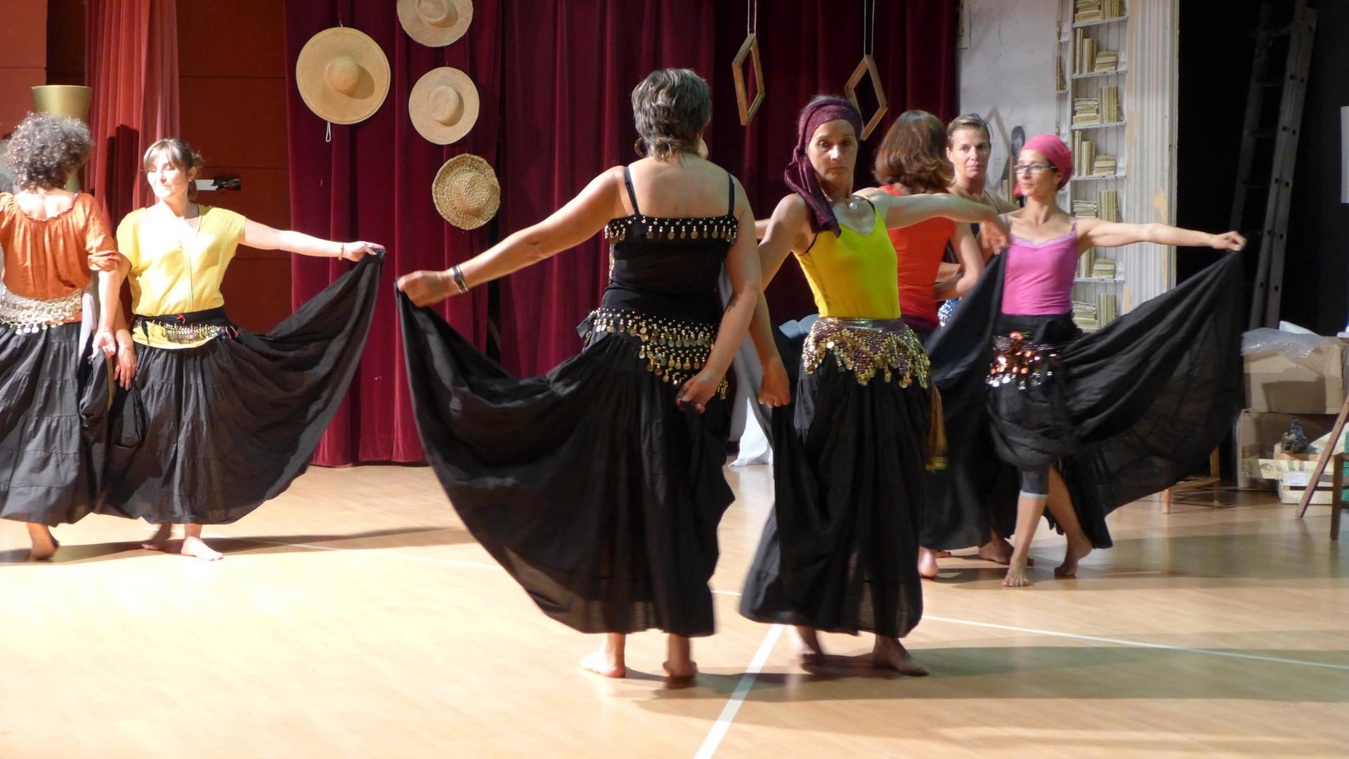 2018-06-11-21h23 Danse dans l'Atelier.JPG