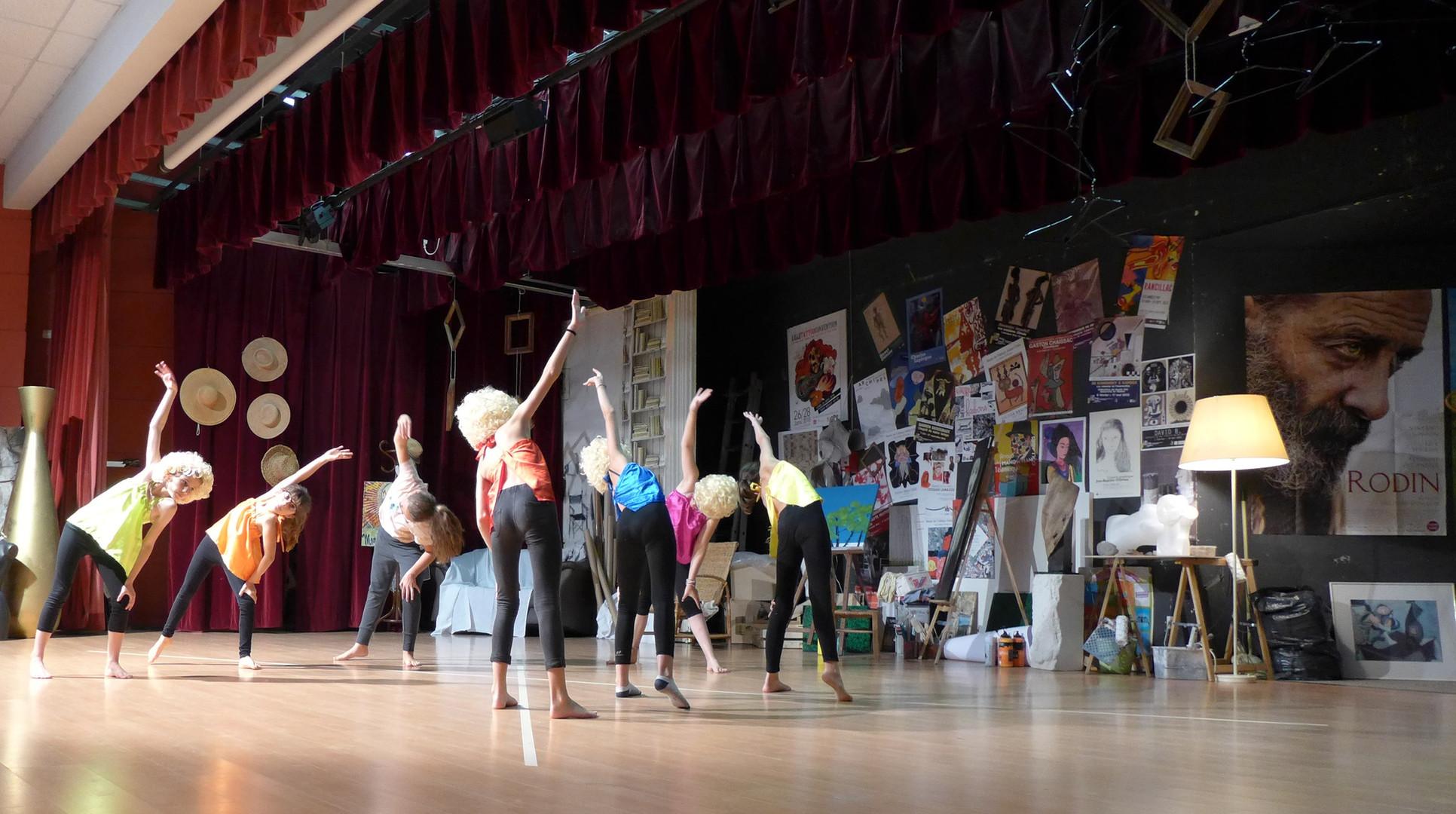 2018-06-11-19h56m49 Danse dans l'Atelier.jpg