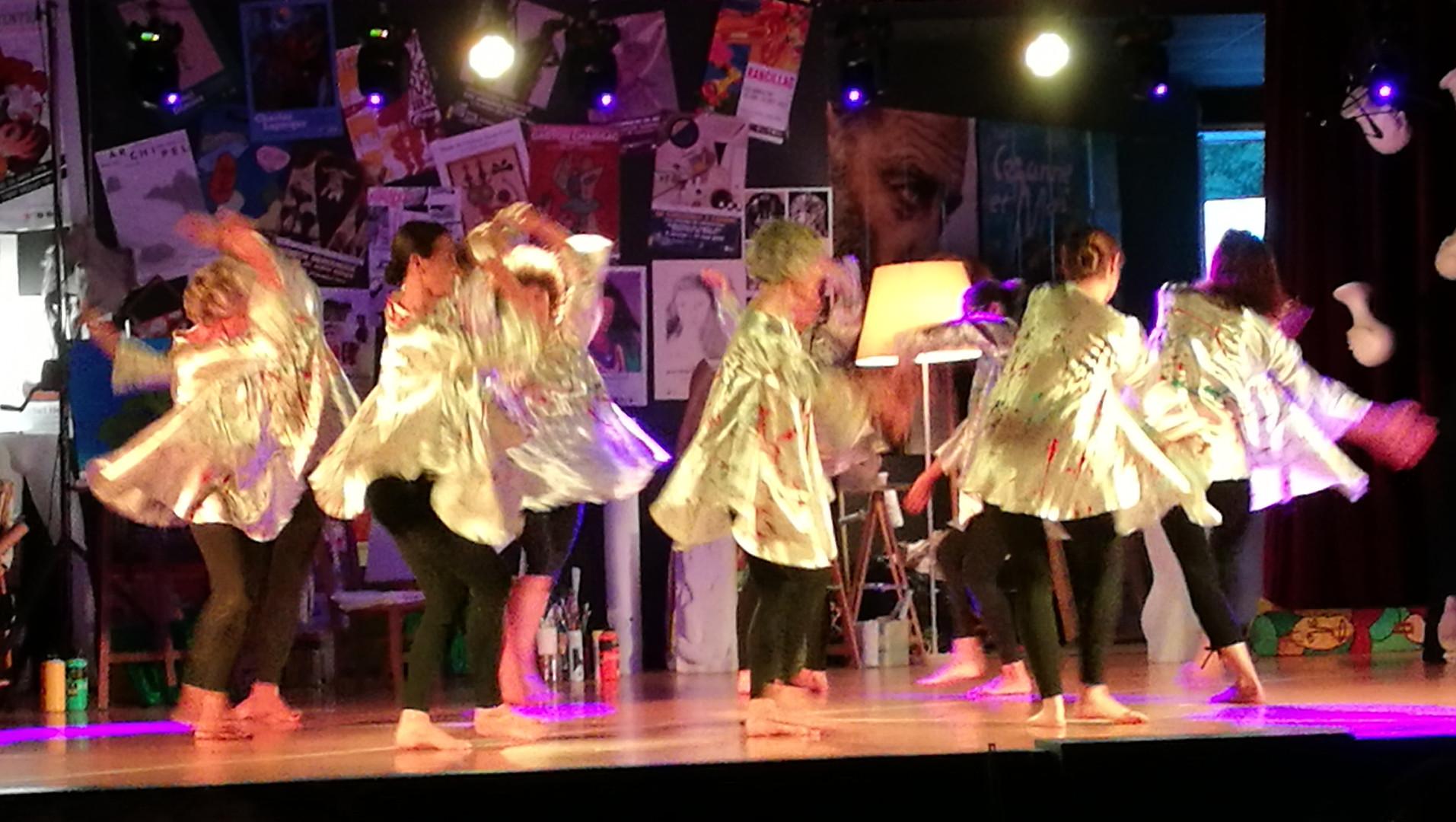 2018-06-16-21h28m03 Danse dans l'Atelier.jpg