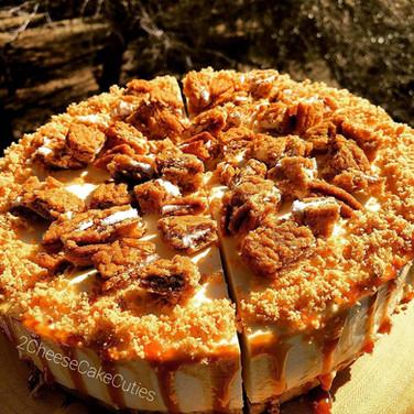 Oatmeal Creme Pie Cheesecake