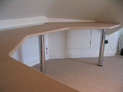 Fitted desk, Bath