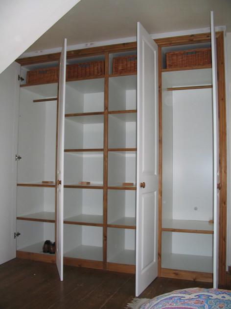 Fitted wardrobe with trim, Bath