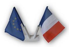 Loi_Blanquer_-_drapeaux_français_et_euro