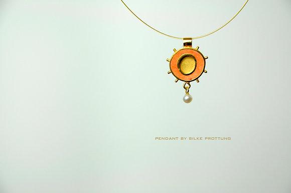 Sonne mit Perle