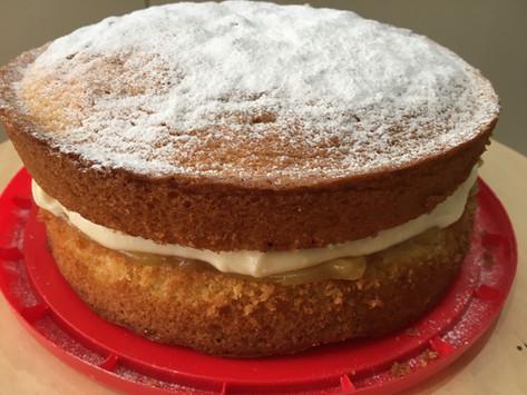 Lemon Victoria Sponge for Mum!