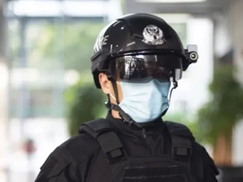 "New Police ""Robocop"" Like Smart Helmet To Be Used In U.S. Airports To Track Covid-19 And"