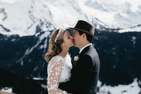photographe-couple-mariage-neige-montagn