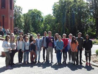Группа молодёжи из 6 человек из Евангелическо-Лютеранской общины Москвы.