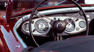 oldtimer_convertible_speedometer_steerin