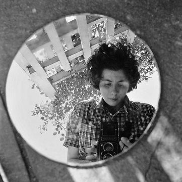 vivian-maier-photographe-toujours-hors-cadre,M212464.jpg