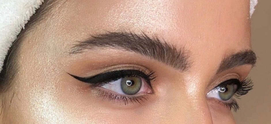 fluffy-brows-brushed-up-brows-eyebrows_e