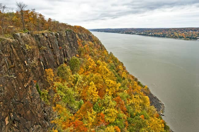 Palisades Interstate Park Overlook - Palisades Byway Fall Drive