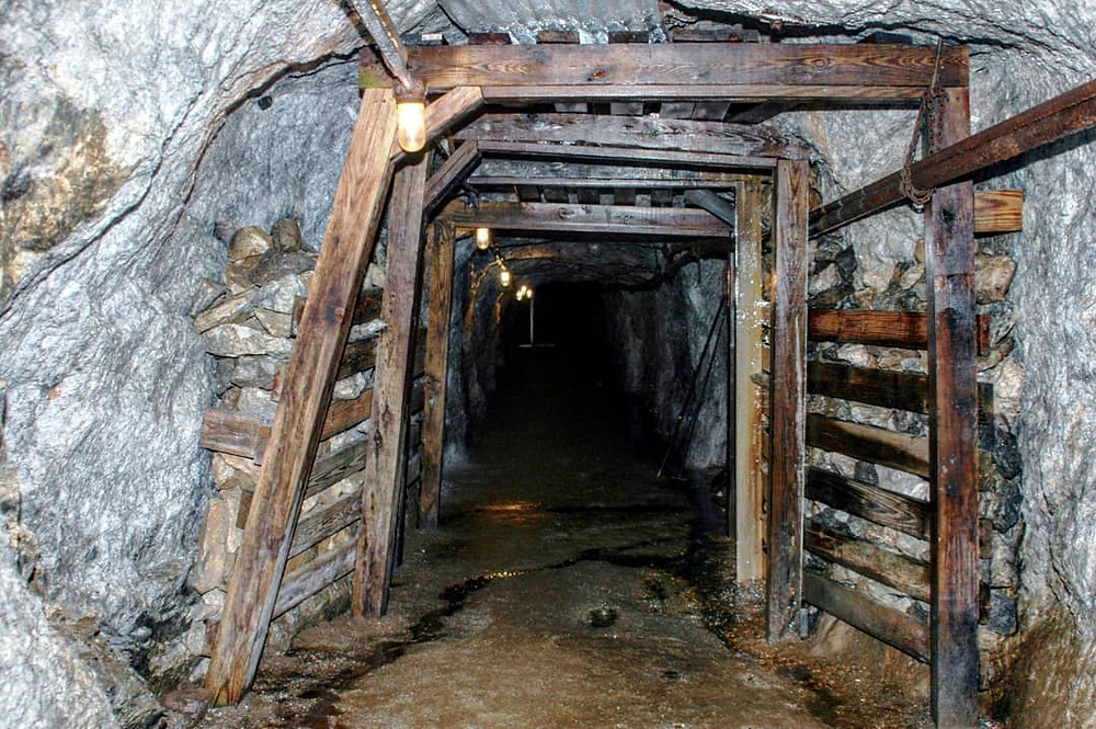 Sterling Mine Museum Shaft - Explore a historic New Jersey Mine