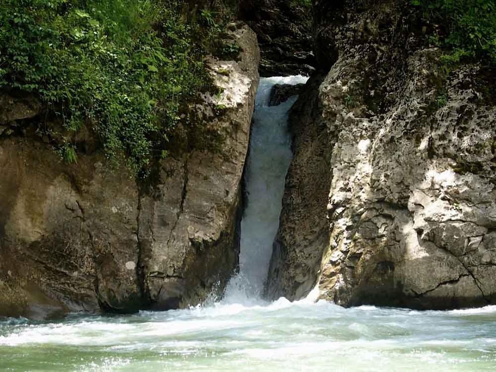 Сахрайские водопады