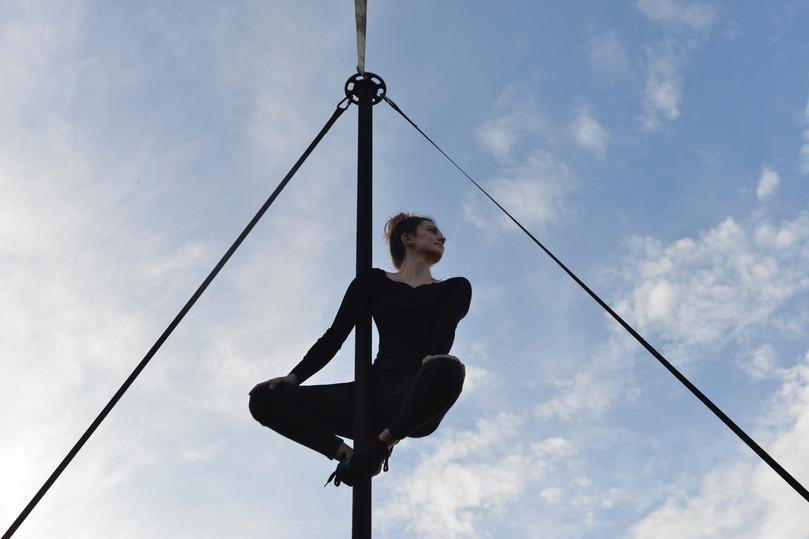 Cirque_octave_singulier_-_Mât_chinois_-
