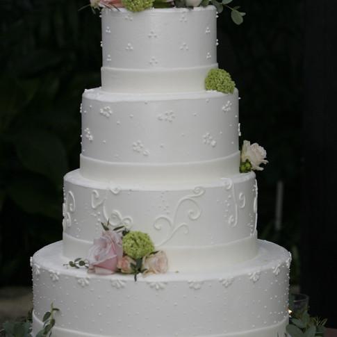 the-cake-studio-wedding-cake.JPG