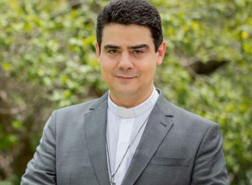 Vaticano se pronuncia sobre escândalo do padre Robson de Oliveira em Goiás